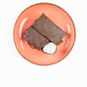 Млинці шоколадні зсолодким сиром