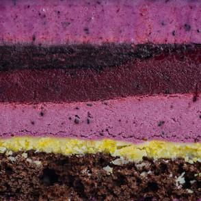 Чорничний мусовий торт